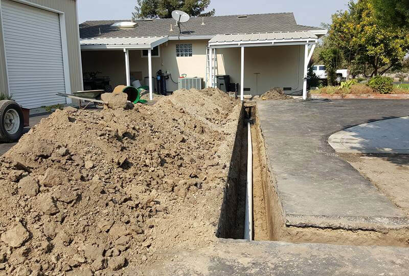 Septic Tank & Leach Line Trenching